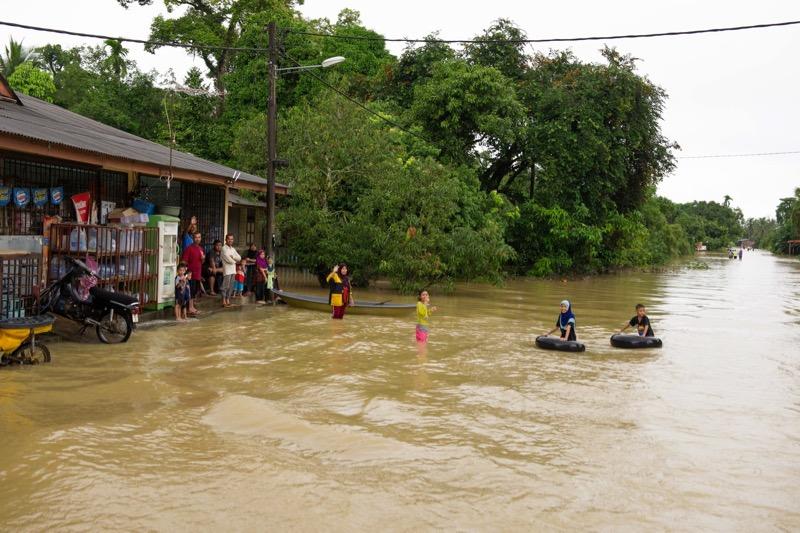 0301-projek-kelatan-flood-banjir.jpg