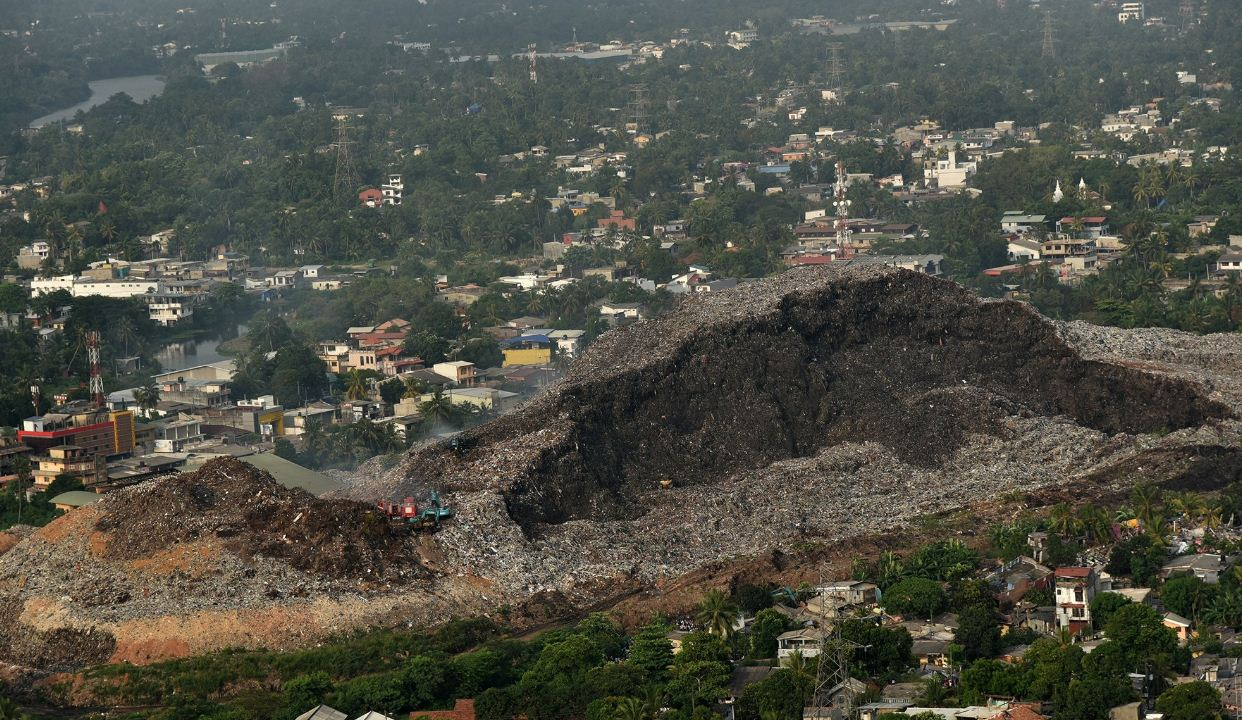 Image result for மீதொட்டமுல்லை   virakesari